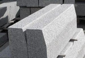 bordsteine-granit